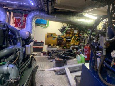 instalación de grupo electrógeno en barco
